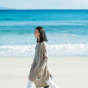"""清潔感と、すっきり感と、かっこよさ。""""森慶子スタイル""""の魅力 五選"""