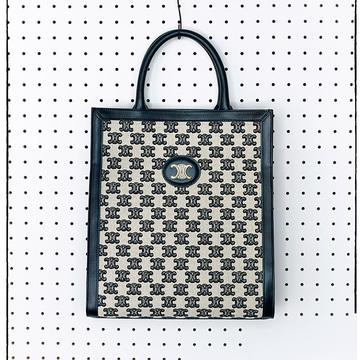 【季節問わず使えるバッグ2選】エクラスタッフがひと目惚れした人気ブランドの新作バッグ