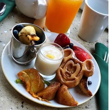 ミッキー達とご飯❥パンケーキを始め限定メニューの朝ビュッフェʚ◡̈⃝ɞ