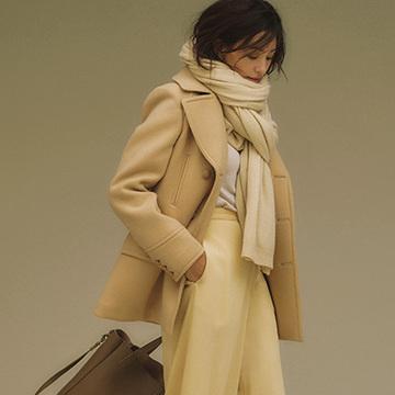 まろやかカラーが華やか印象をプラス!ベージュ&ホワイト系カラーの上品ワントーンスタイル