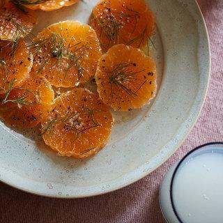 おせちのときの一品としてもおすすめ。鮮やかな一皿みかんのカルパッチョ【平野由希子のおつまみレシピ #73】