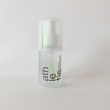 ハンドクリームとともに使いたい、アスレティアのミスト化粧水。リフレッシュする香り。