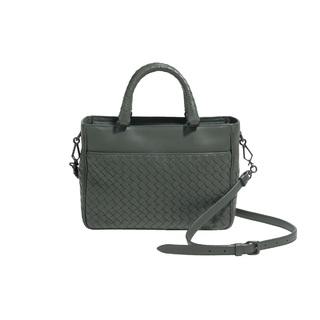 イントレチャートの日本限定バッグは、トートにもクロスボディにもなるオールマイティな逸品!