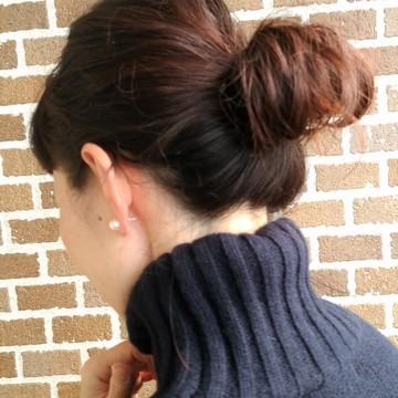 まとめ髪で冬コーデをスッキリと