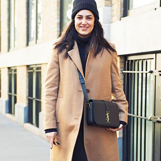 きれいめコートプラス斜めがけバッグが新鮮!【ファッションSNAP ミラノ・パリ・NY編】