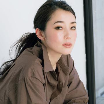 千吉良恵子が提案。おしゃれスタイルの品格を上げる「ベージュリップ」 五選
