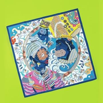 【初夏の装いにプラスしたい小物2選】エルメスの鮮やかスカーフ&サンローランの黒サンダル