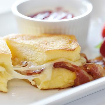 超絶#BAEる「モンテクレスト サンド」♡ホテルニューグランドの優雅な朝食タイムをプレゼント!