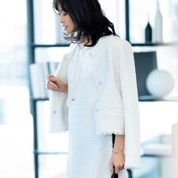 【着映える春スーツ】会食でも商談でも好印象。「エスカーダ」の品格フェミニンな白ツイード