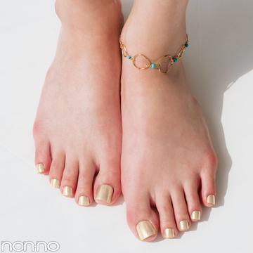 足の素肌をキレイに見せるペディキュアの色、知ってる?