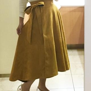 最近好きな「マスタード色」スカート