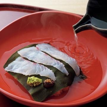 """シンプルな中に深い味わいが!二条 やま岸の「京だし茶漬け」【自宅で楽しむ""""新しい京都""""】"""