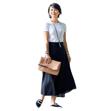ロング丈で大人らしい上品な印象に!「Tシャツ×スカート」 五選