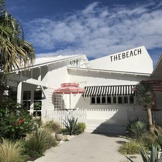まるで海外リゾート!非日常が味わえるお洒落スポット「THE BEACH」