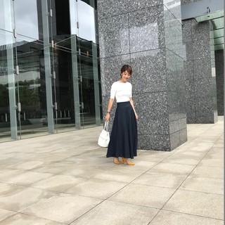 軽やかリネン素材のマキシ丈スカートで夏のお洒落を快適に!