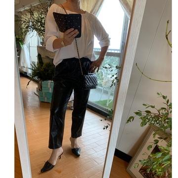 """ZARA leather pants"".でautumn fashion"