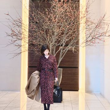 フェミニン服でコンラッド東京へ