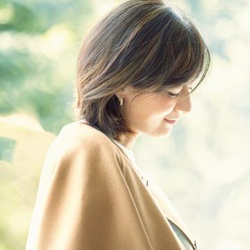 【富岡佳子のプライベートスタイル】家時間にもピアスをつけて、ひとさじの色気と艶を補う