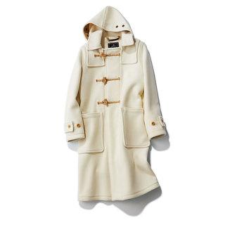 今年の冬は改めてダッフルコートが着たい人が続々! 大人は「淡色」が狙い目