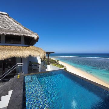 バリ最上級の白砂のビーチに蒼いラグーン、 サマベ バリ 【インドネシアのお薦めホテル】
