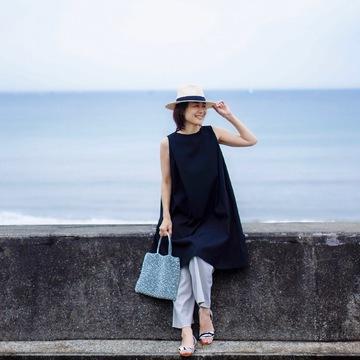 リトルブラックドレスをカジュアルに着まわし♪