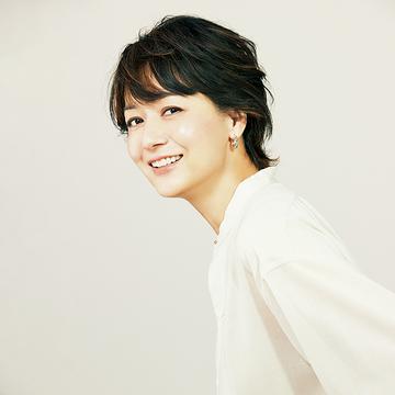 【eclat×DECORTÉ】富岡佳子さんが語る、揺るぎない美のポリシー。毎日のていねいなケアこそが、大人の肌を輝かせる