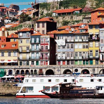 食とポートワインが魅力のポルトガル・ポルト【ポルトガル中・北部をめぐる旅】