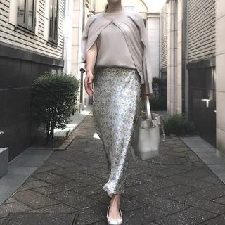 ZARAのキレイ色スカートはオールシーズン使える優れモノ!