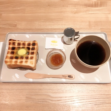 """人気パン屋""""ペリカン""""直営のカフェ♡"""