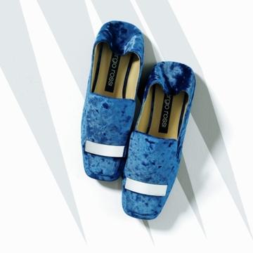 【足元から秋を呼ぶ靴2選】サルヴァトーレ フェラガモ&セルジオ ロッシの注目シューズ