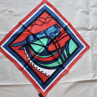 ちょい巻きスカーフは、気軽に使えるポケットチーフサイズがベストでした。_1_1-1