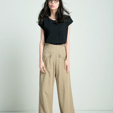 3. トレンドのワイドパンツを日常に着こなしたいならここ「AMIW(アミウ)」