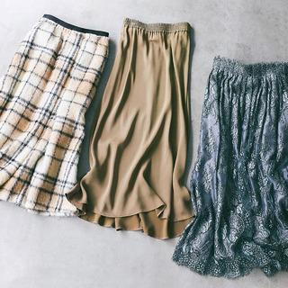 「雰囲気のあるスカート」を合わせるだけで冬のカジュアルトップスを一気に華やかに!