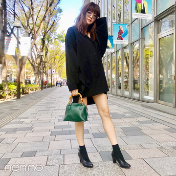 岡本杏理はRIM.ARKのシャツワンピで美脚見せコーデ【モデルの私服スナップ】