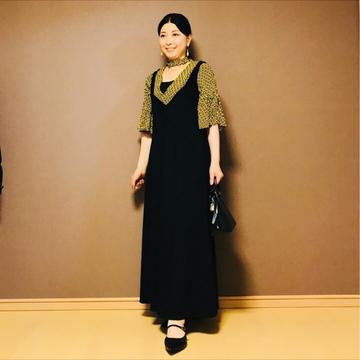 〈ZARA〉のジャンパースカート