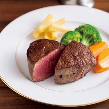 炭の直火で炙(あぶ)る神戸牛。 創業以来の味を堪能 レストラン みやす