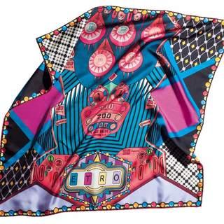 杉野編集長がひと目惚れ買い!色鮮やかなエトロのスカーフ