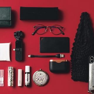 人気美容系YouTuber・佐々木あさひさんのバッグは、厳選されたミニ&軽量小物でコンパクト!【働く女のバッグの中身】