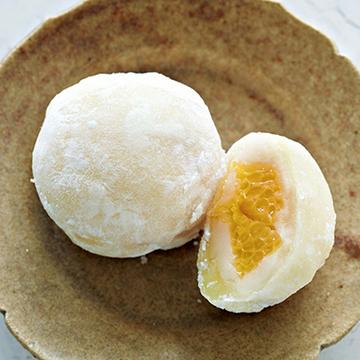 みずみずしいはっさくと白あんが絶妙 菓子処 中島「はっさく大福」