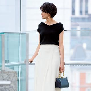働く日の夏スカート、今シーズンのイチ押しは「きれいめ白フレアスカート」