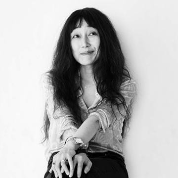 作家・江國香織さんが描く「家族」の試練と成長とは