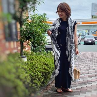 日本の夏のスタンダード「黒ワンピース」_1_3
