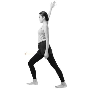 【巻き肩をリセットするストレッチ2】「壁ドン! 前傾胸伸ばし」で胸から腕にかけての筋肉を伸ばす!