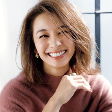 スタイリング次第でアレンジも自由自在!稲沢朋子さんの「やわらかパーマスタイル」<憧れのエクラモデルズのヘア>