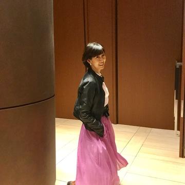 新しいスカートでクラッシックコンサートへお出かけ