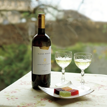 """春の兆しを感じるワイン「ゲヴュルツトラミネール・ヴィーニャ """"カステラーツ""""」【飲むんだったら、イケてるワイン】"""
