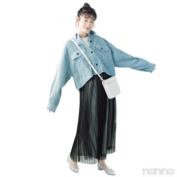 ラフなビッグシャツをチュールスカートで女っぽカジュアルにシフト【毎日コーデ】