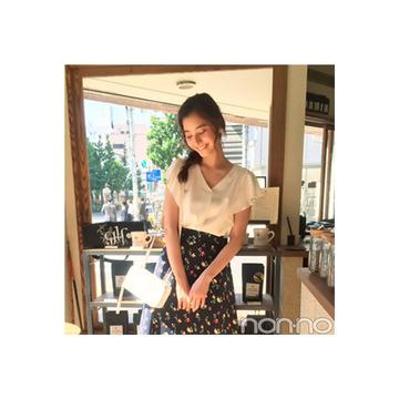 新木優子は白ブラウス×花柄スカートで鉄板モテ♡【毎日コーデ】