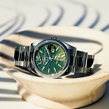 【ロレックスの夏時計】大人の海コーデに取り入れたい夏らしいデザイン