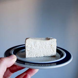 【お取り寄せグルメ】週1回のみ販売、売切れ続出の生バスクチーズケーキYAYUYO